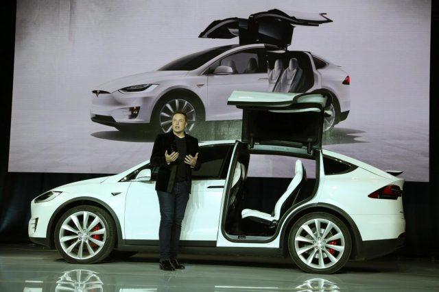JP Morgan taglia target price sul titolo Tesla