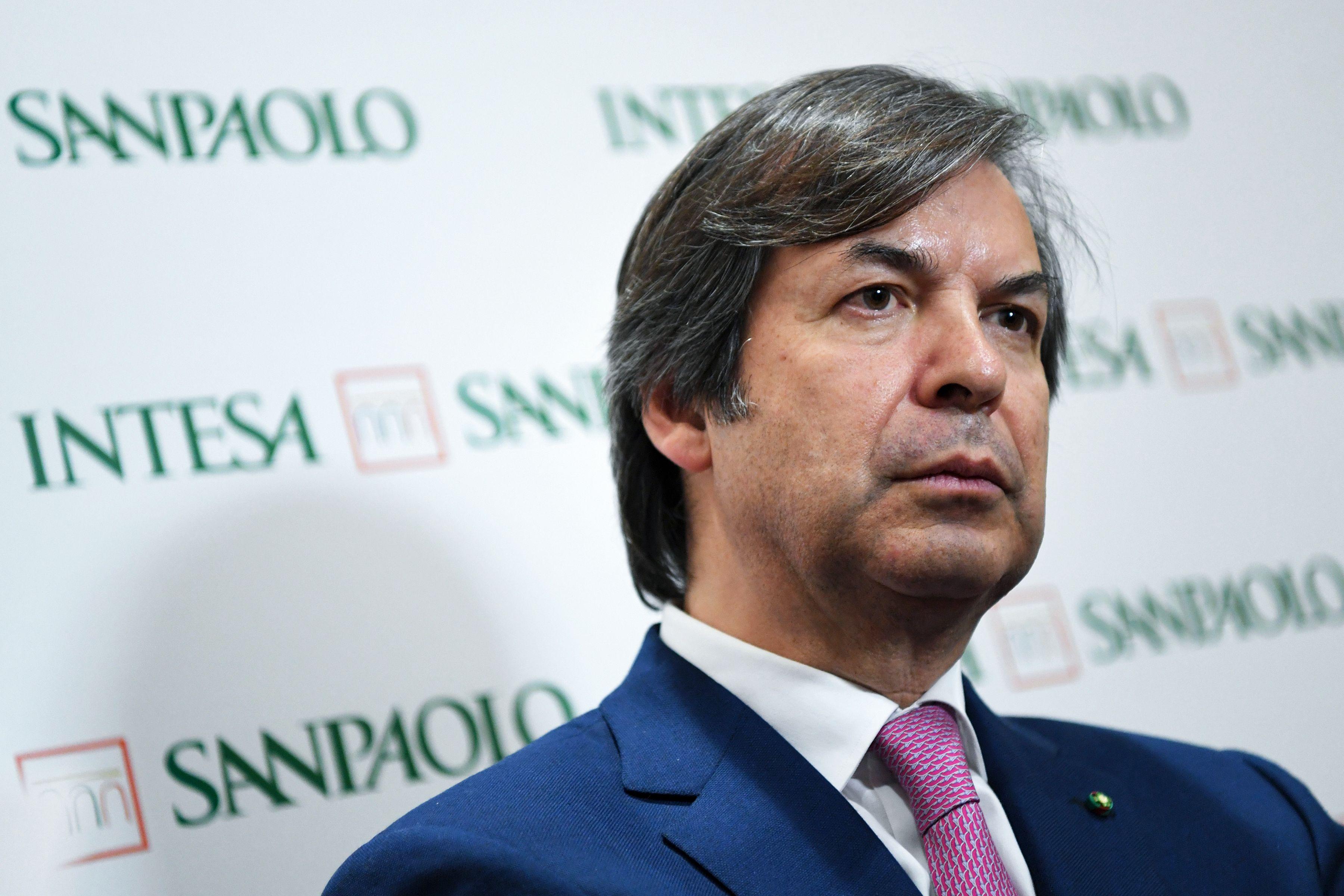 858967e5b9 Intesa Sanpaolo macina utili e dividendi, nel 2019 sarà battaglia agli UTP  - FinanzaOnline
