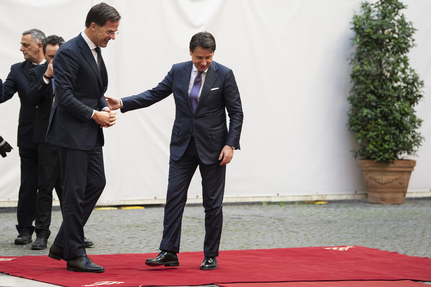 Il premier olandese Mark Rutte ostacola piani Conte: su Recovery Fund sì prestiti, no contributi'
