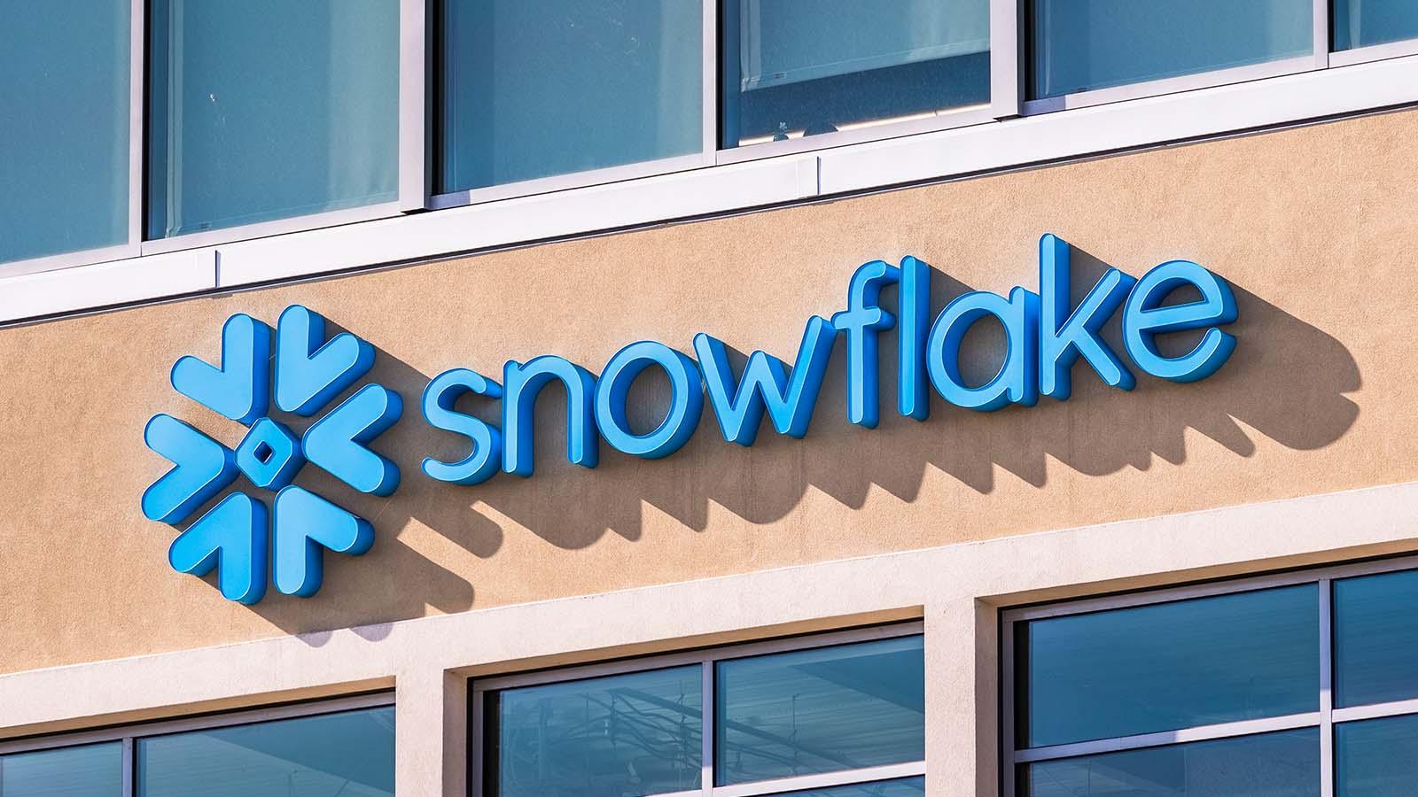 Snowflake sbarca in Borsa sul Nyse: è l'Ipo software più grande della storia, che riscuote la fiducia di Warren Buffett