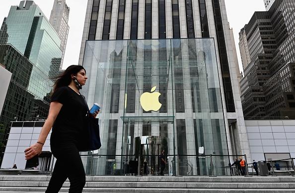 Apple ha comunicato il bilancio del terzo trimestre. Effetto COVID, anche su Facebook e Amazon. Niente advertising crunch per Google
