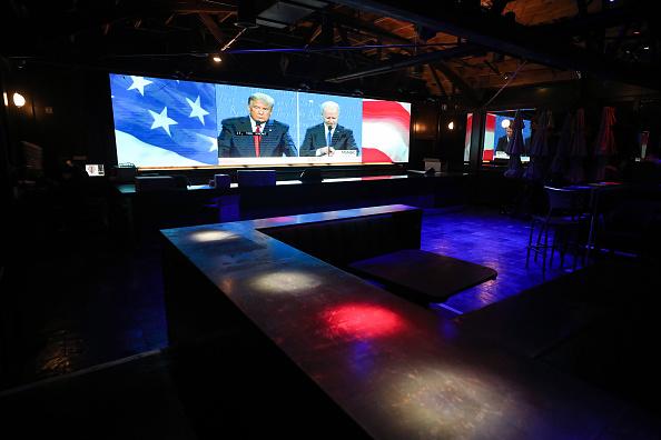 Donald Trump e Joe Biden si sfidano nell'ultimo dibattito prima delle elezioni presidenziali Usa del prossimo 3 novembre
