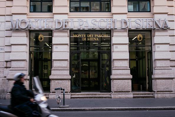 Lo Stato bussa anche alla porta dei francesi di Credit Agricole: ma sembra che pur in tempi di risiko bancario MPS non la voglia nessuno