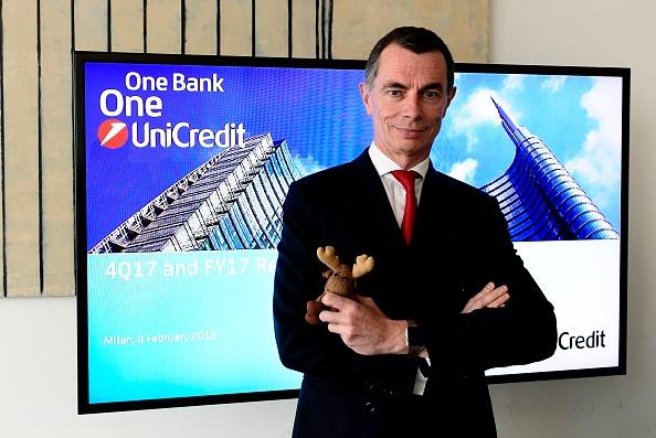L'AD di UniCredit Jean-Pierre Mustier: secondo alcune fonti il progetto di una subholding in Germania rimane, ed è anzi in fase di accelerazione