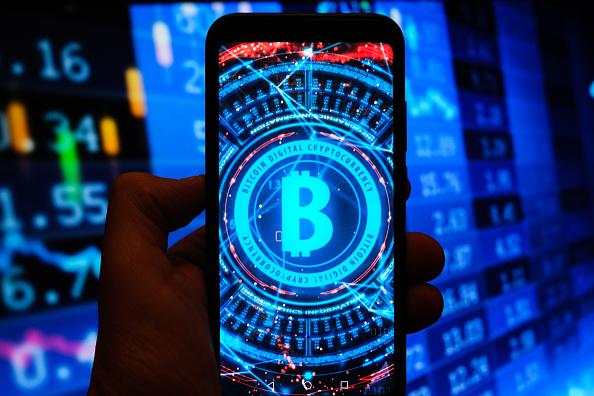 Bitcoin: in tre giorni +17%, da settembre +52%, da inizio anno +160%. La febbre continua e ora anche Nouriel Roubini si ravvede (in parte)