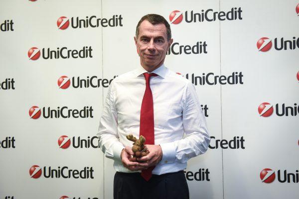 Jean-Pierre Mustier lascerà la guida di UniCredit il prossimo anno: meriti e colpe secondo il Financial Times