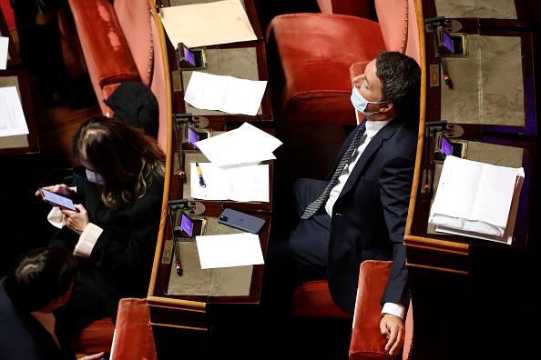 Ok a Recovery Plan e crisi di governo, Italia Viva di Renzi pronta a staccare la spina al governo Conte dopo nulla di fatto sul Mes (osteggiato dai Cinque Stelle)