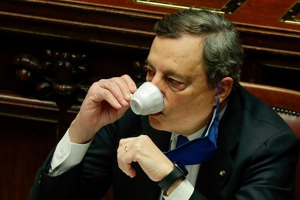 Mario Draghi presidente del Consiglio, Moody's e Fitch preparano regalo all'Italia?