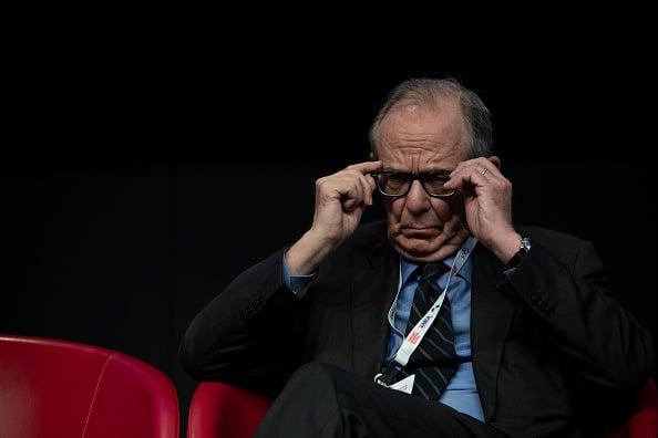 Fondo Bluebell di Giuseppe Bivona e M5S contro matrimonio Mps-UniCredit. L'attacco al futuro presidente di Piazza Gae Aulenti, Pier Carlo Padoan