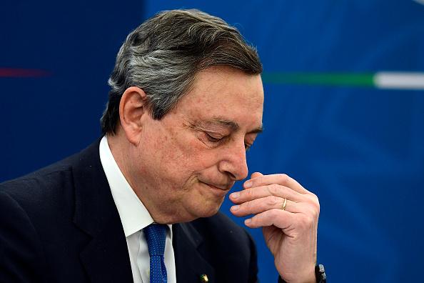 Governo Draghi presenta Def con cifre impressionanti: debito-Pil a record in un secolo. E intanto occhio ai BTP e al rischio Usa