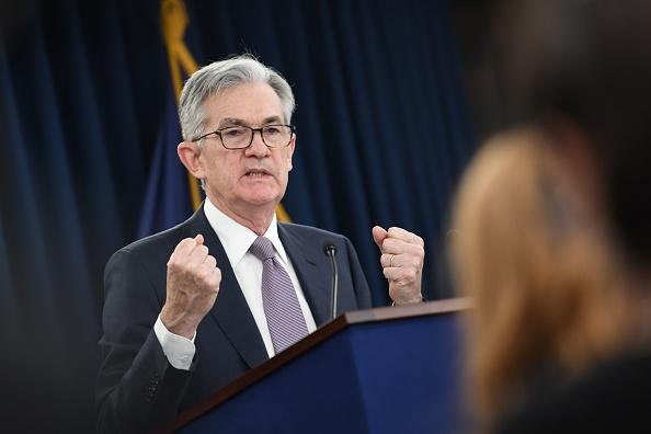 La Federal Reserve di Jerome Powell si prende la rivincita. Occupazione Usa: ad aprile solo +266.000 nuovi posti di lavoro, rispetto al milione stimato