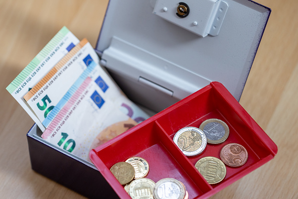 Tassi negativi sui conti correnti: liquidità sempre più punita, spunta anche caso Danske Bank