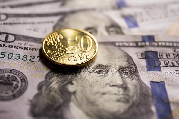 Effetto panico Fed: boom di buy sul dollaro, euro scende anche fin sotto $1,19