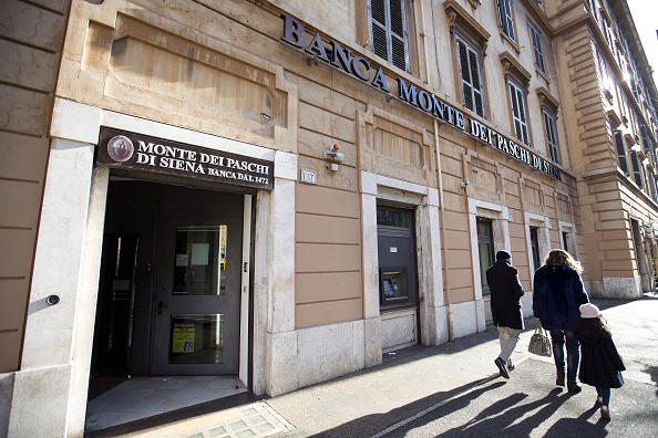 Diverse opzioni al vaglio del Tesoro per il futuro di Mps: anche scissione in due tra bad bank e good bank