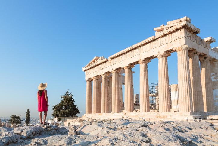 I bond greci fanno furore in Europa. E c'è che prevede che lo spread Grecia-Germania possa scendere fin sotto quota 100, ai minimi dal periodo precedente il crack di Lehman Brothers