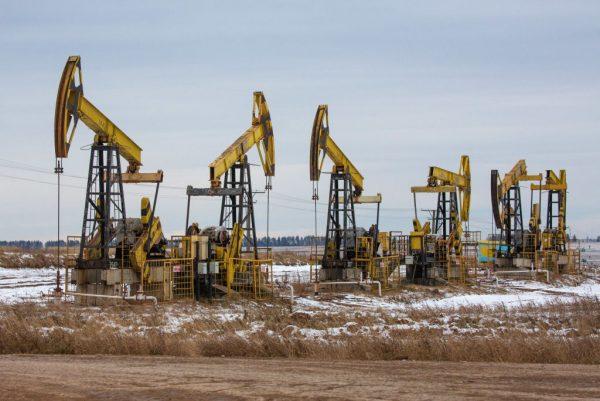 Petrolio, l'OPec+ trova un accordo sulla produzione da immettere sul mercato. Superato scoglio tensioni tra Emirati Arabi Uniti e Arabia Saudita