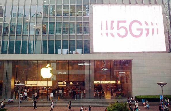 Apple sempre più un ecosistema. Boom vendite nel secondo trimestre soprattutto in Cina. Fatturato iPhone schizza del 50%, ora c'è anche l'assist rete 5G
