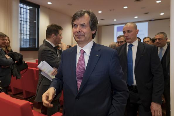 Carlo Messina, AD di Intesa SanPaolo, la banca italiana che aprirà le danze sui dividendi dopo rimozione imminente ghigliottina Bce sulle cedole