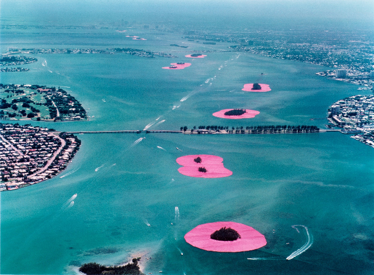 Christo Parte II-screenshot_2018-10-27-immagine-christo-jeanne-claude-surrounded-islands-biscayne-bay-.jpg